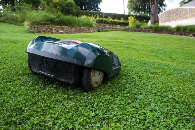 Rasenmaehroboter Gartenflaeche
